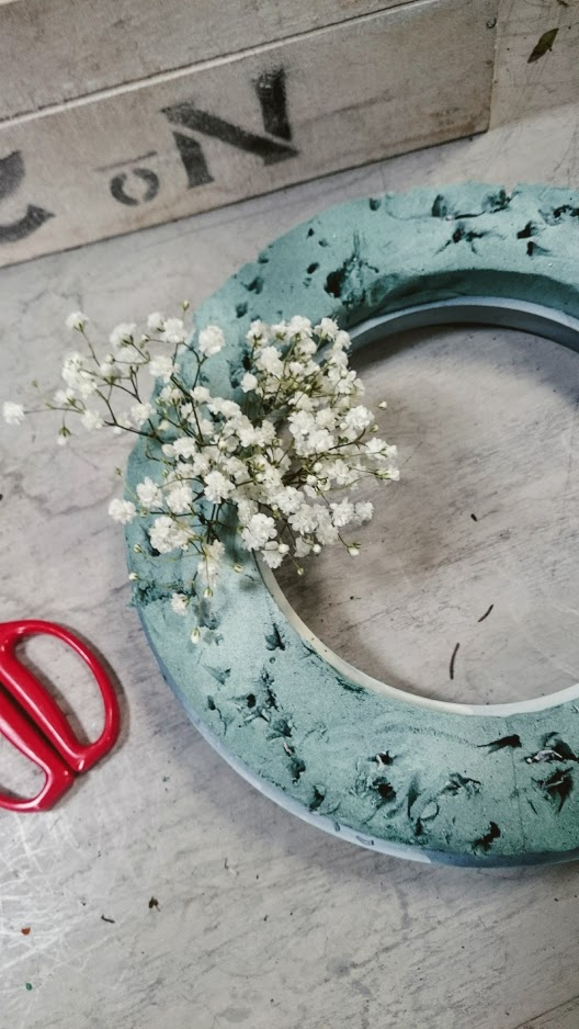 FLORAL INDULGENCE ALERT! The Gypsophila Wreath and Flower Crown ...